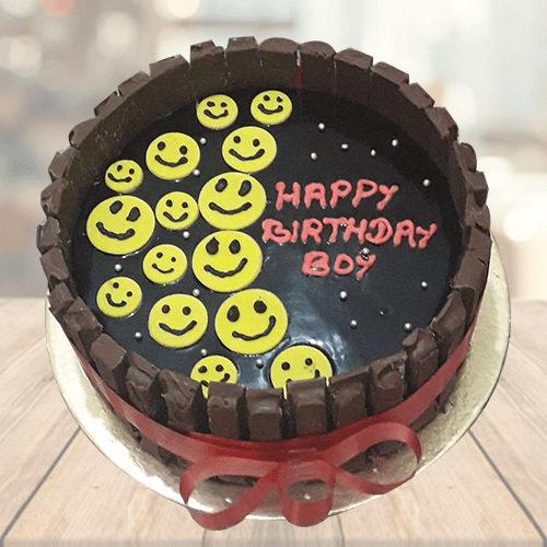 kit kat Emoji Cake